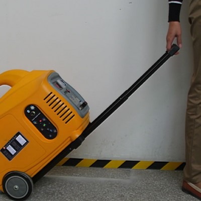 Соларен портативен генератор 600W